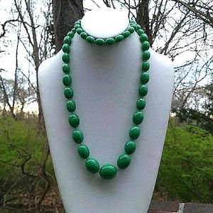 VINTAGE HandKnotted Green Swirl Lucite'Gemstone'